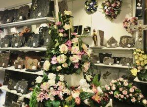 Arts Funéraire disponibles chez Flora Déco - Plaques funéraires, Fleurs Funéraires, Médaillons, Statues Cimetière