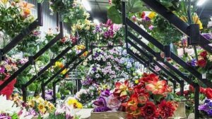Des milliers de bouquets et piquets de fleurs artificielles dans notre boutique Flora Déco