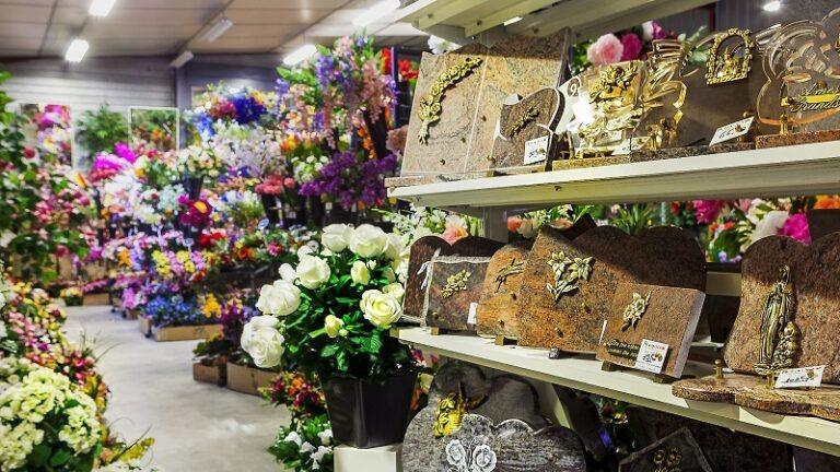 Espace Funéraire Flora Déco, plaques, vases, cônes fleuris et fleurs pour cimetière